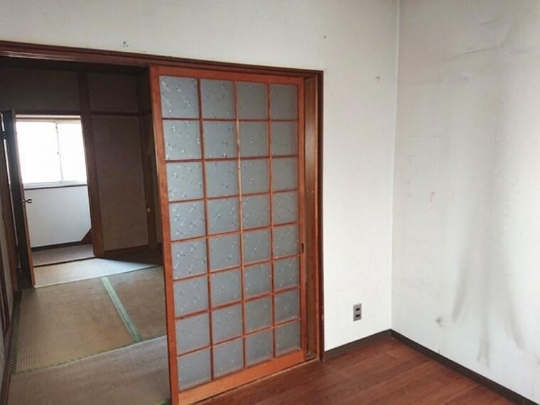和室 東西に窓があり 換気も安心です