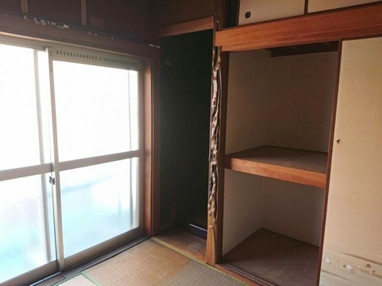 和室 押入れが付いた6畳の和室のあるお部屋です。
