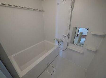浴室 浴室乾燥機付きユニットバス!雨の洗濯物の味方です。