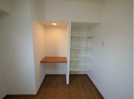 収納 ワークスペース、可動棚設置しました。