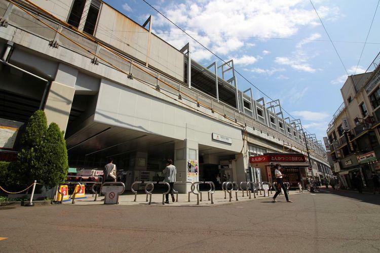 学芸大学駅(東急 東横線) 徒歩18分。