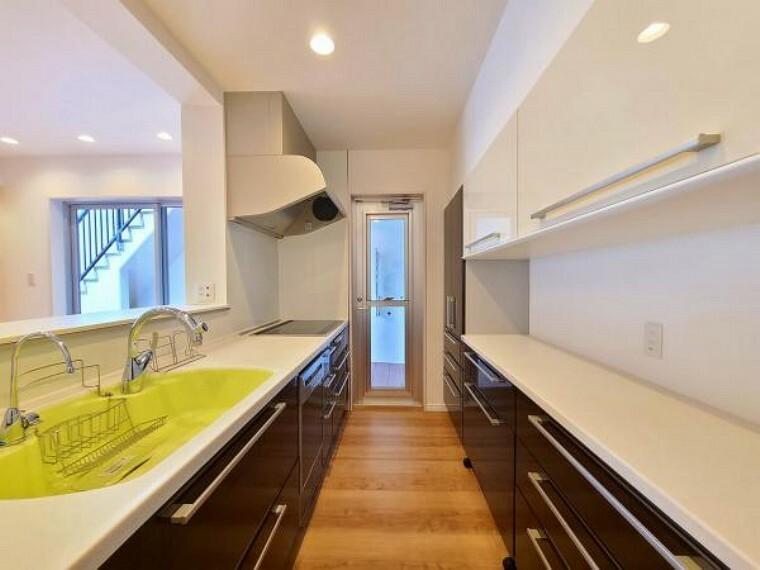 キッチン 高級感だけでなく、使いやすさにもこだわったキッチンです
