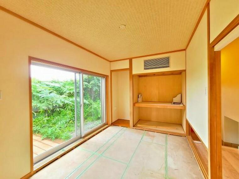 和室 畳は、夏は涼しく冬は温かく、優れた断熱効果を発揮させます。