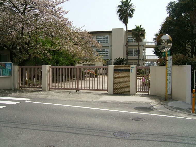 小学校 【小学校】西宮市立段上小学校まで776m