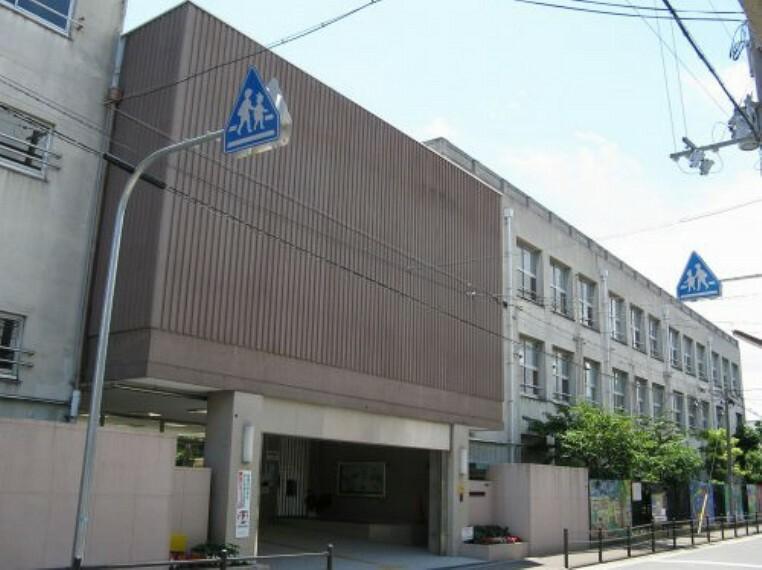 小学校 【小学校】大阪市立生江小学校まで162m