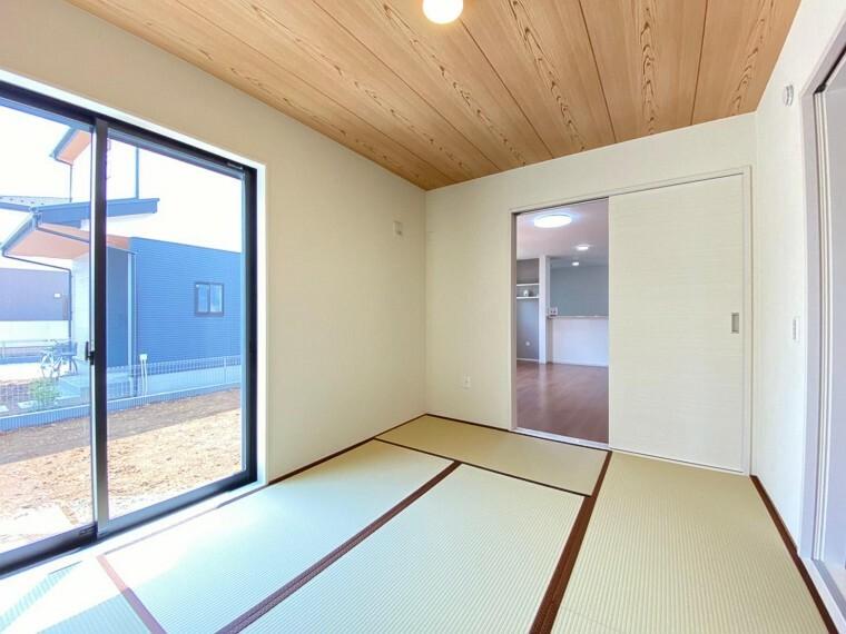 和室 来客時にも使える便利な和室は、小さなお子様の遊び場にもご両親の寝室にも使えます