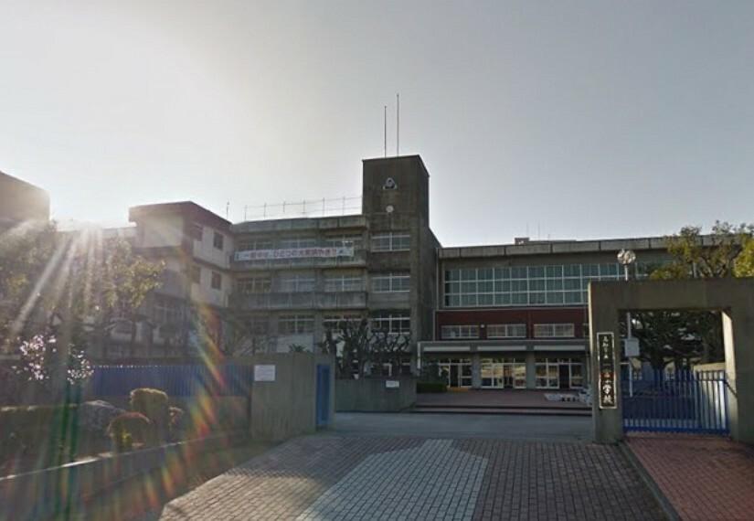 中学校 【中学校】高知市立一宮中学校まで545m