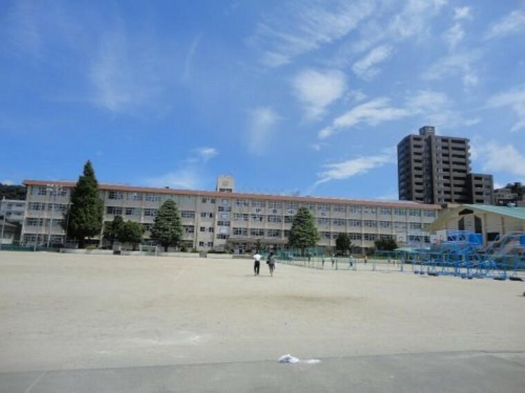 中学校 【中学校】伊敷台中学校まで1789m