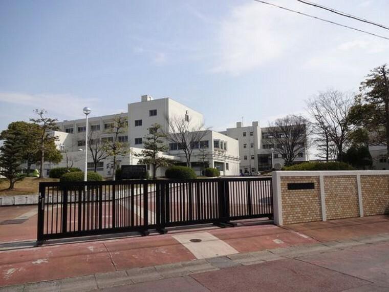 中学校 桃陵中学校 桃陵中学校まで750m(徒歩約10分)