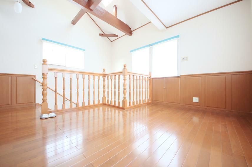 2階の階段ホール7.75帖 読書や共用スペースとして、利用出来ます!