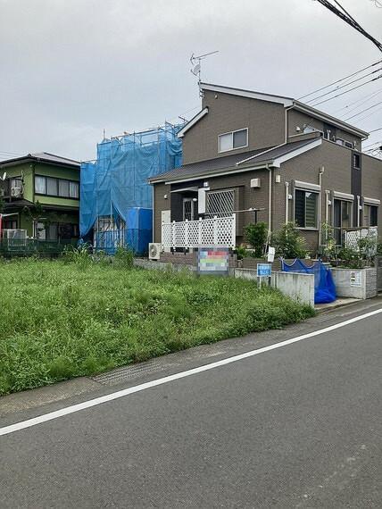 現況写真 他の区画も建築が進み新しい町並みが形成されますね。