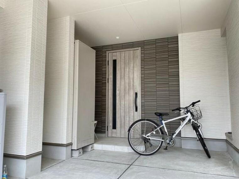 玄関 オシャレな玄関ですね