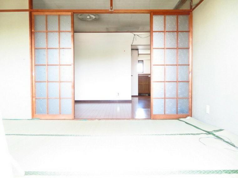 和室 リビング横6帖和室:バルコニーに面し、採光の良い和室はのんびりと寛げる空間。 (2021年7月13日撮影)