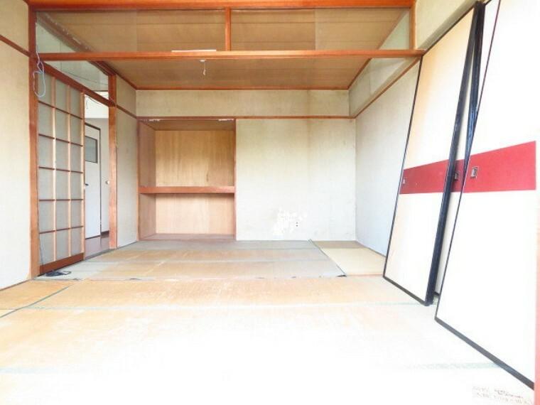 和室 6帖和室:バルコニーに面し、あたたかい空間。家族のくつろぎのスペースになりそうですね。 (2021年7月13日撮影)