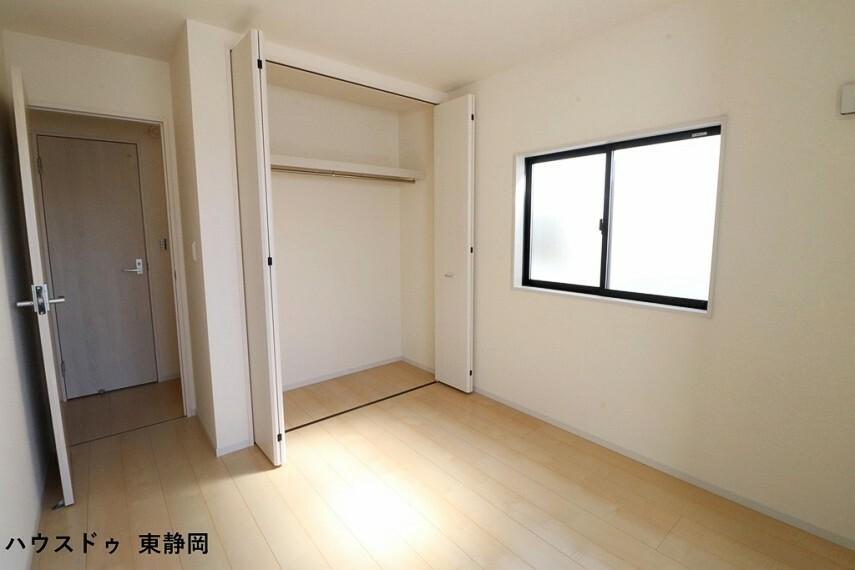 洋室 間取り図右側5.25帖洋室