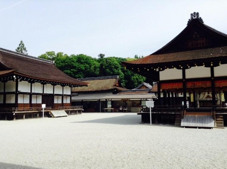 世界遺産 下鴨神社 流鏑馬・御手洗祭などの行事、手作り市や古本市なども開催されます。