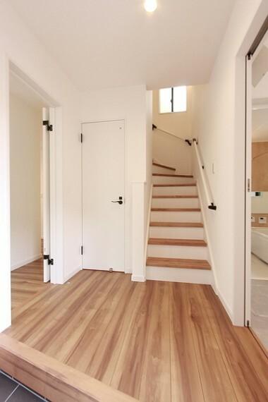玄関 玄関はゆったり広めの設計