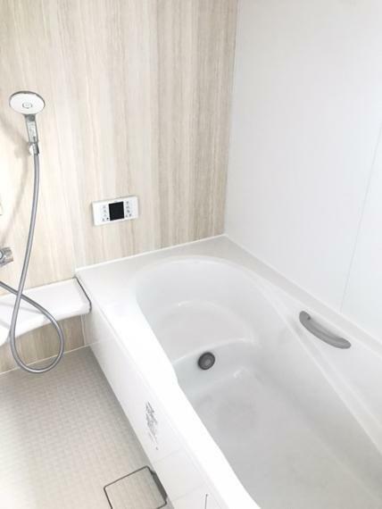 浴室 1坪タイプです。