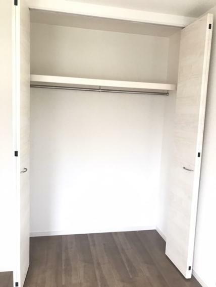 収納 2階東側5.34帖洋室のクローゼットです。