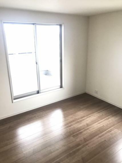 洋室 2階西側9.25帖洋室です。