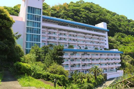 外観写真 赤根崎に建つオーシャンフロントマンション