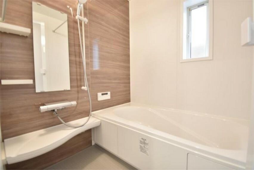 浴室 穏やかな空気に包まれて過ごせるバスタイム時も、暮らしを豊かにしてくれます