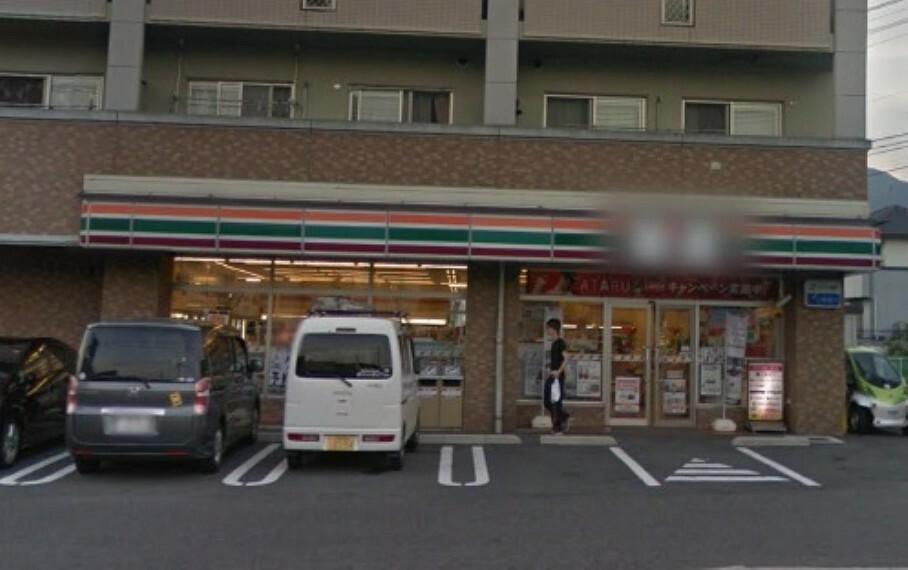 コンビニ セブンイレブン 呉焼山昭和支所前店