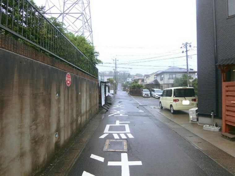 現況写真 約5mの前面道路です。
