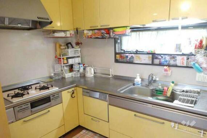 キッチン キッチン[2021年7月19日撮影]L字型キッチンになっているので、家事の際に移動が少なく導線が便利です。