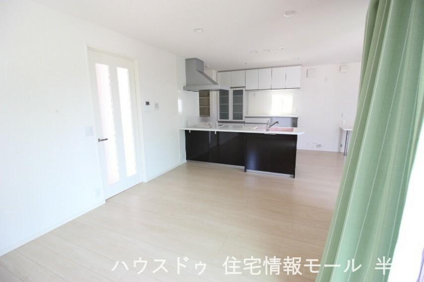 居間・リビング 家族の集まるLDKは広々ゆとりの空間