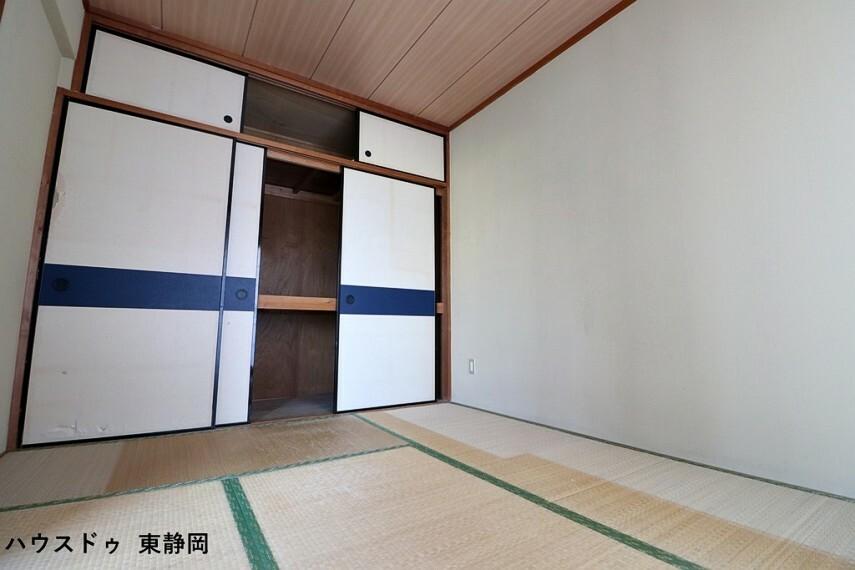 和室 和室は客間、お子様の遊び場、お昼寝場所と多目的にお使い頂けます。
