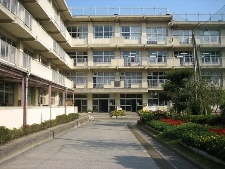 中学校 松戸市立第六中学校