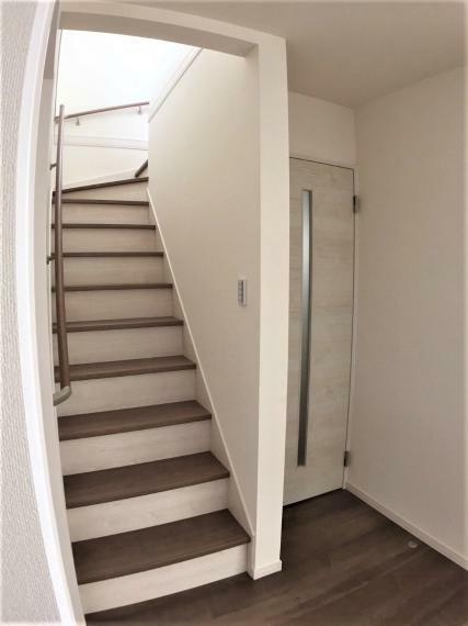 リビングイン階段で家族とのコミュニケーションがより増えそうですね。