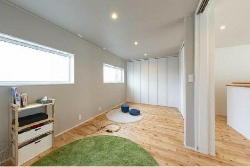 2階の洋室。お子さんが小さいうちは広く、思春期には壁を作って仕切ることができます