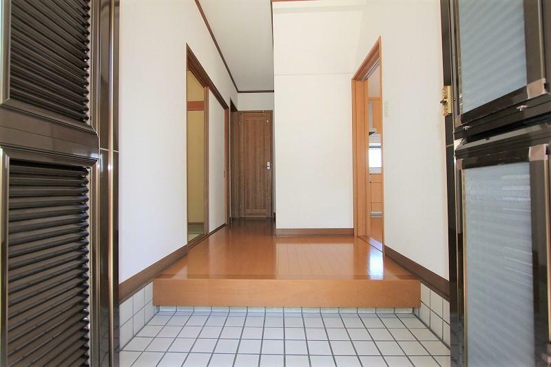 玄関 明るい玄関ホールです。