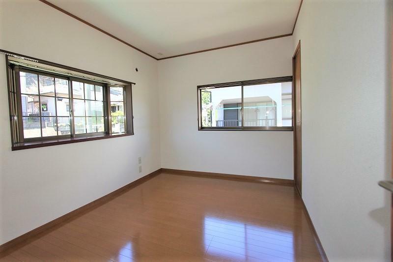 洋室 2階6帖の洋室です。