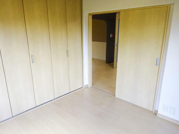 洋室 北東側洋室4.5帖