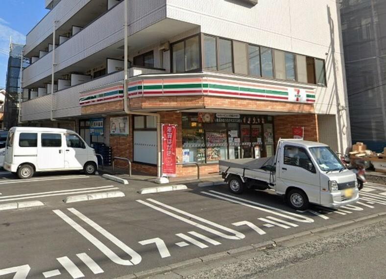 コンビニ セブンイレブン横浜坂本町店