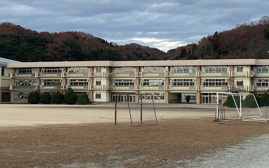 中学校 安中市立第一中学校