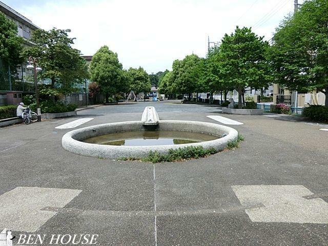 公園 芦名橋公園 徒歩3分。