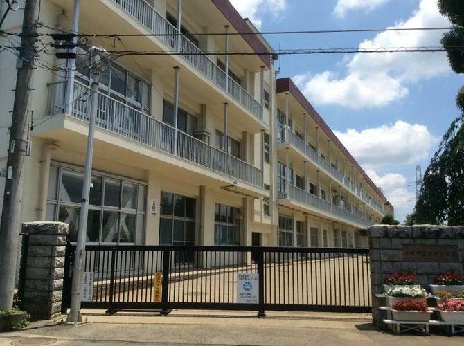小学校 千葉市立誉田小学校 徒歩11分。