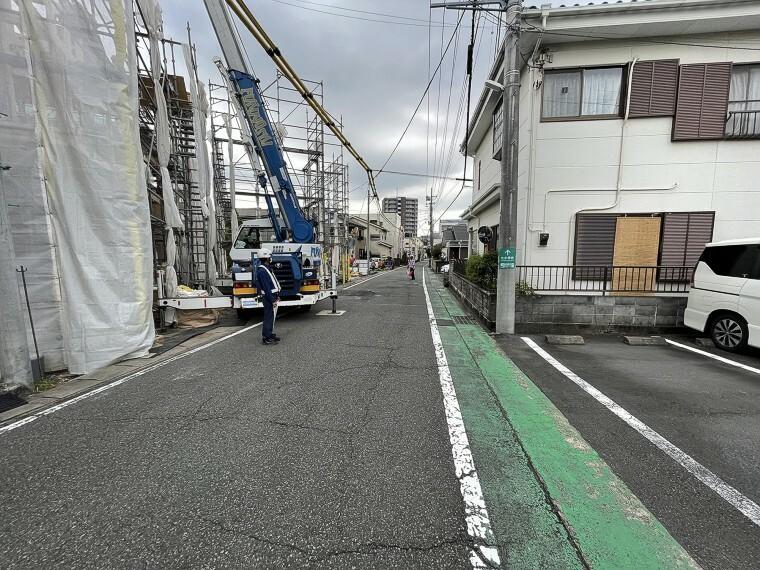 外観・現況 前面道路5.89~5.95m。駐車しやすい道路です。
