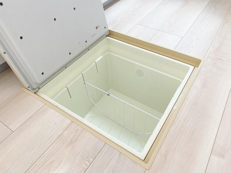 外観・現況 保存食品や調理器具の保管場所としてもご利用できます