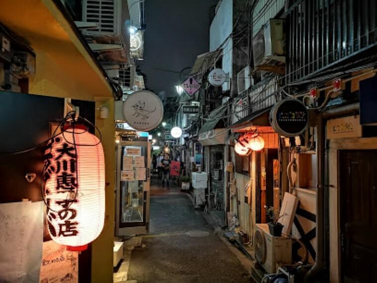 【その他】新宿ゴールデン街まで967m