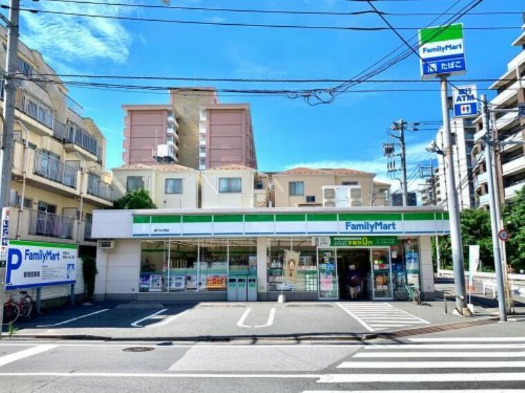 コンビニ 【コンビニエンスストア】ファミリーマート TKD亀戸中之橋店まで297m