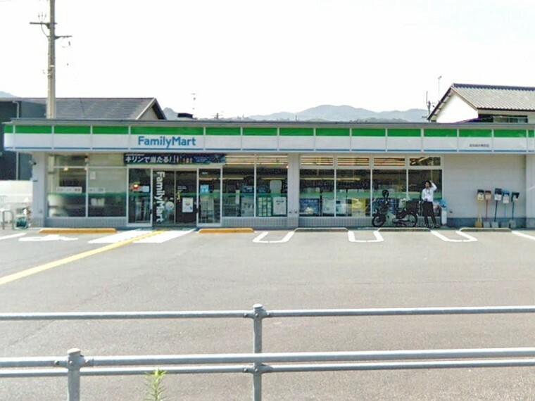 コンビニ 【コンビニエンスストア】ファミリーマート福井東店まで159m