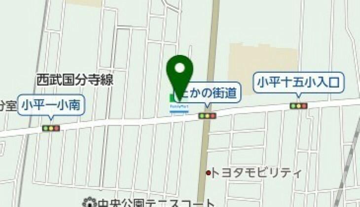 コンビニ ファミリーマート小平たかの街道店