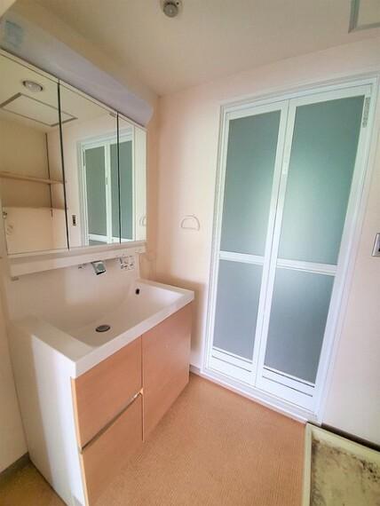 洗面化粧台 脱衣所もゆとりのスペース