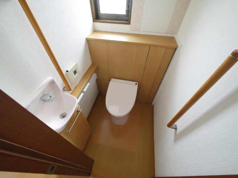 トイレ タンクレストイレで狭くなりがちなトイレスペースもスッキリ