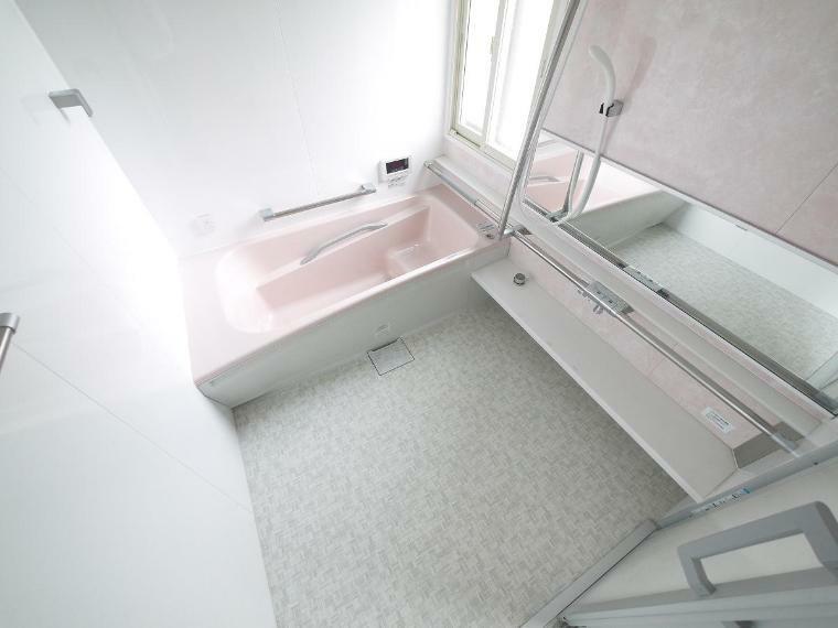 浴室 1.5坪広さを設けた浴室でゆったりバスタイム 雨の日のお洗濯にも大活躍な浴室乾燥機付